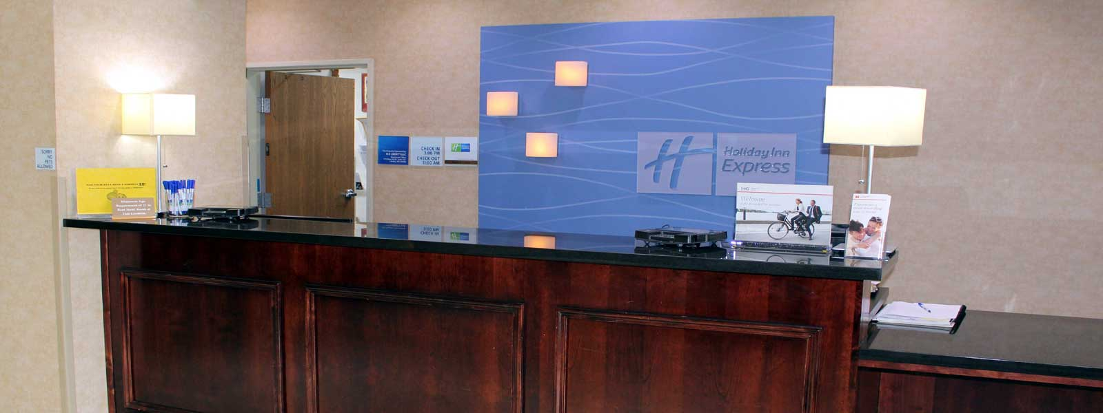 Discount Budget Cheap Affordable Hotels Motels Holiday Inn Express & Suites Liberty